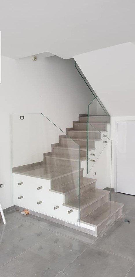 מעקה מדרגות מנטים 1