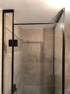 מקלחון דלת נמוכה לאוורור מאדים