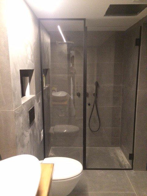 מקלחון חזית רצפה תקרה